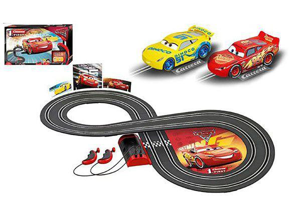 Racebaan Disney Cars 3 van Carrera First.